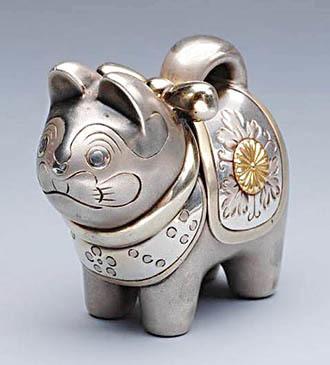 犬張子形 昭和9年(1934)2月23日 皇太子(天皇陛下)御誕生御内宴 銀製.jpg